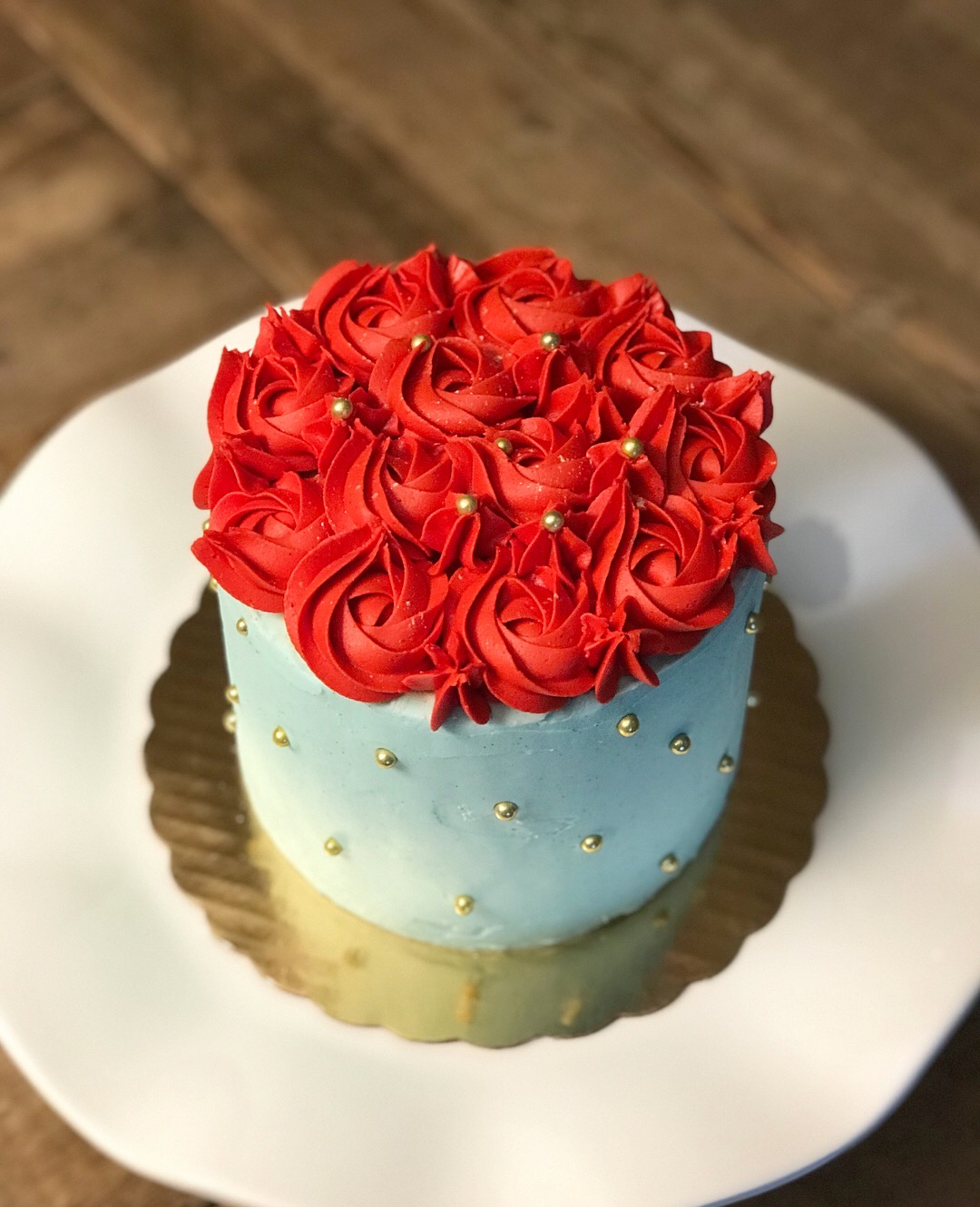 Briony Red Roses Cake