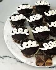 custom-old-school-cupcakes (1)